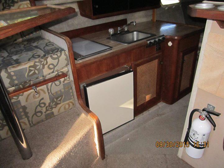 Kitchen .2 in Boat