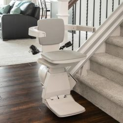 stair-lift-bruno-elan-bottom-of-stairs-680-x-630-web