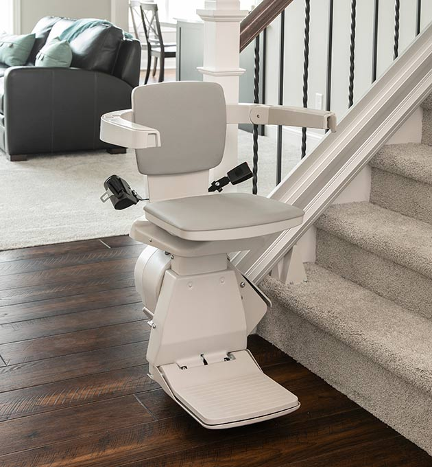 stair-lift-bruno-elan-bottom-of-stairs-680-x-630-web